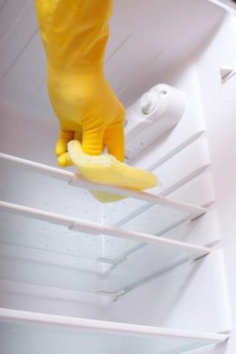 Hidrogen-peroxid hűtőszekrény tisztítására
